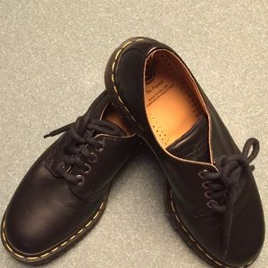 Doc Martens black leather oxford NEW